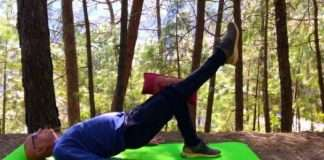 Glute Bridge With Adduction & Knee Extension